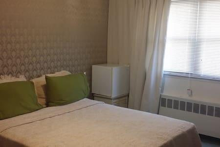 SPA Getaway In Westbusy, NY - Haus