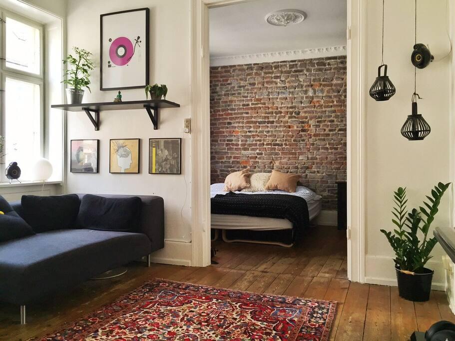 New yorker murstensvæg i soveværelset