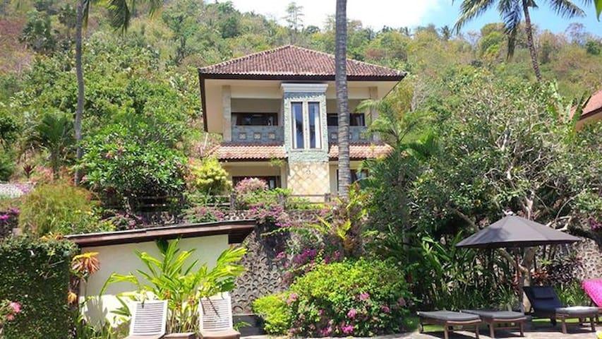 Villa 7, Secret Garden, Kerandangan valley