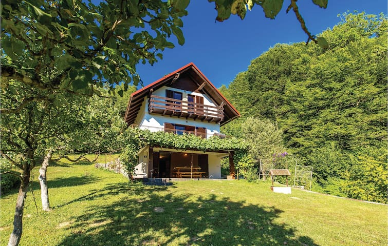 Holiday cottage with 3 bedrooms on 97m² in Brod na Kupi