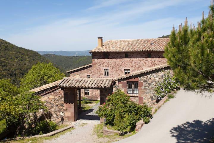 La Morera: turismo rural, de verdad - El Brull - Bed & Breakfast
