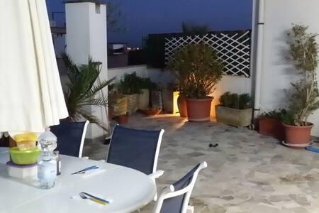 Superattico vista pineta e mare - Lido di Ostia