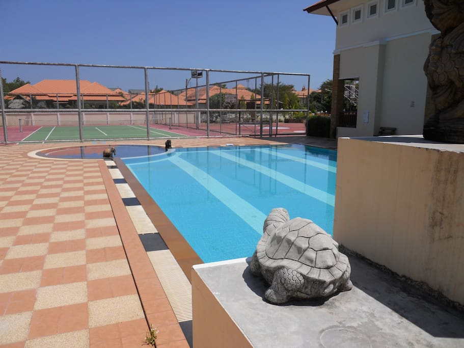 Free use of shared pool 50m from villa; also tennis court behind