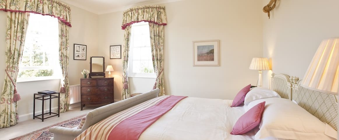 Sumptuous KingSize with Garden View - Saint Mellion - Bed & Breakfast