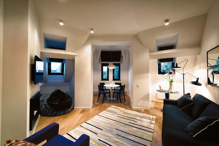 European District - Gorgeous One Bedroom Apartment