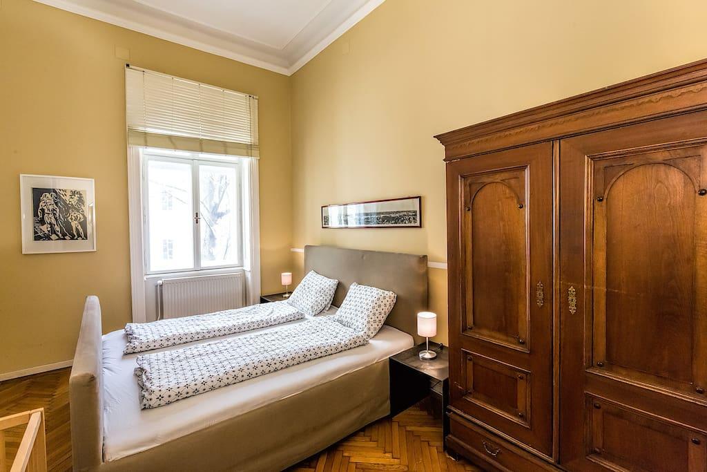 sch ne gro e wohnung im zentrum wiens wohnungen zur miete in wien wien sterreich. Black Bedroom Furniture Sets. Home Design Ideas