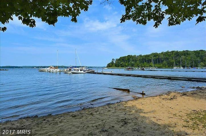 Waterfront Community Retreat near Annapolis - Severna Park - Apartmán pro hosty