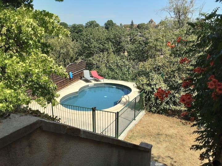 Le mas de Lespinasse, 9 couchages, piscine, vue
