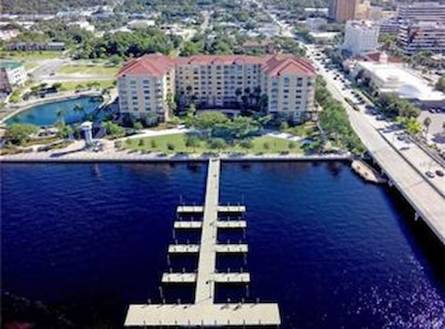 Private Entrance on Manatee River
