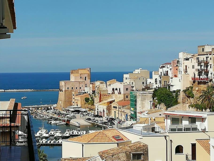 Vista sul mare e splendido terrazzo wifi free case in for Trova casa in affitto