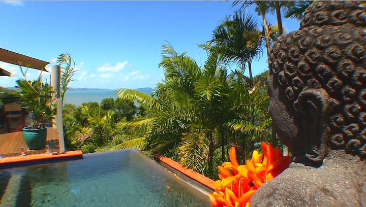 Gunnadoo Holiday, ocean views, near Port Douglas