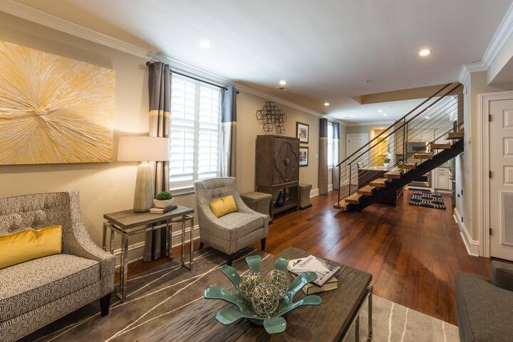Two Bedroom Loft - The Quarters on King