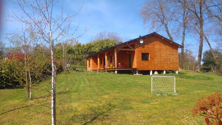 Dordogne, maison en bois, calme, proche Périgueux