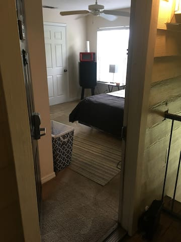 Private suite room/Tampa Int's/ Beach