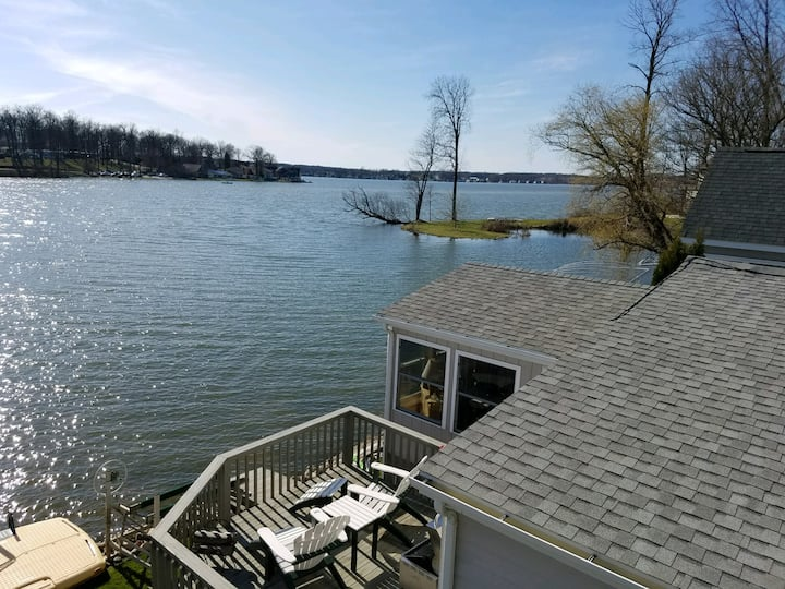 The Hideaway on Hamilton Lake