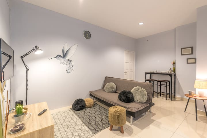 Stylish 2br for 6 pax @Mansion One near Georgetown - George Town - Lägenhet