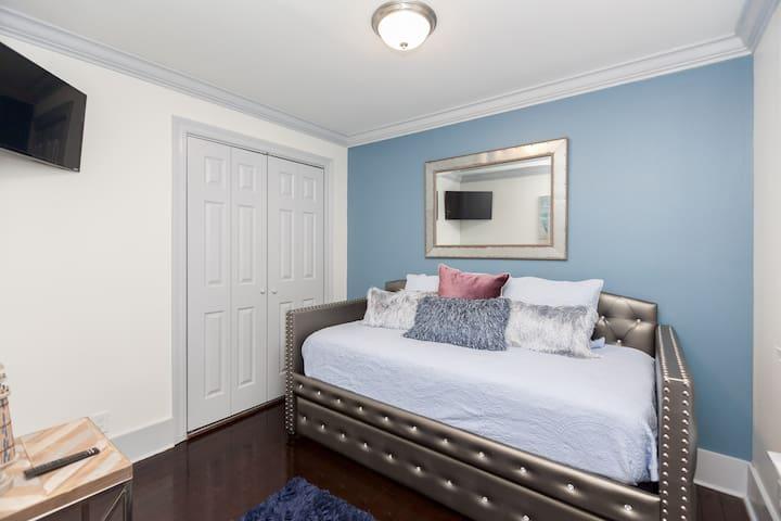 Bedroom #2 (Twin Trundle)