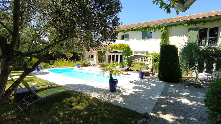 Old Lodging and pool in Provence GL
