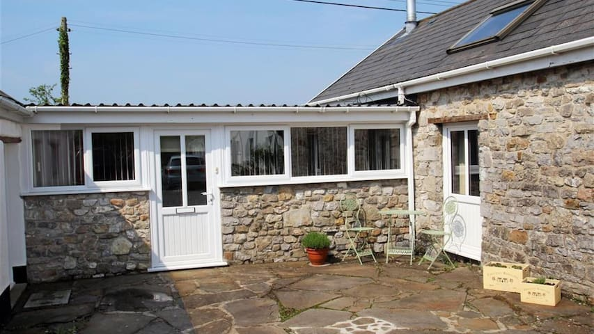 Little Lunnon Annexe, Gower