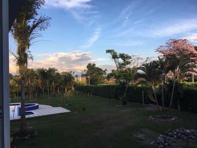 Estudio Campestre en Cerritos 201