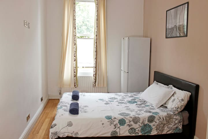 Putney London - Private Space