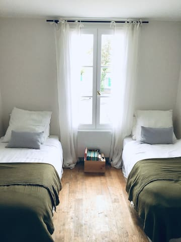 Chambre 4 - 2 lits simples sur cour