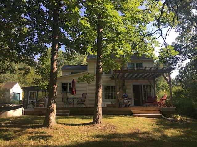 Fairytale Home, Private Woods,  Bikes, Railtrail