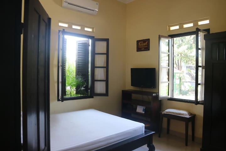 Queen size bedrooms