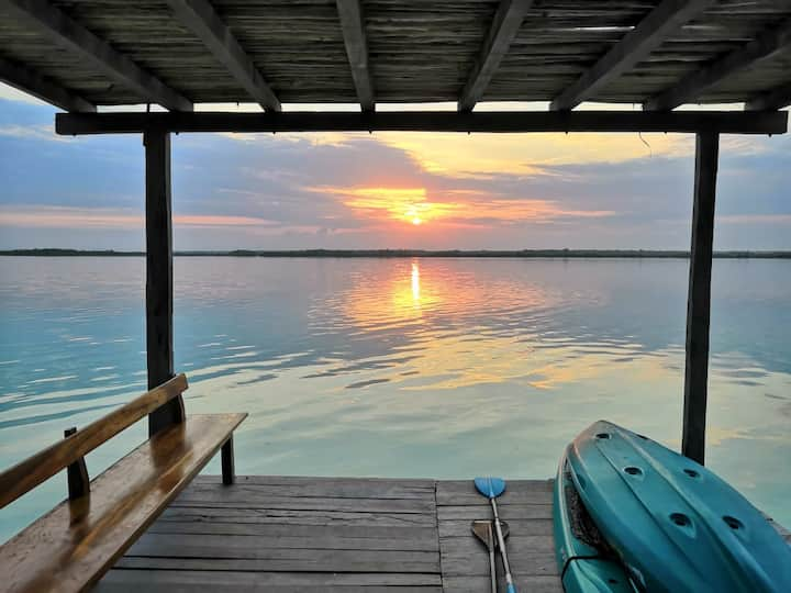 Amazing lake view  Cabin for 4 with deck!