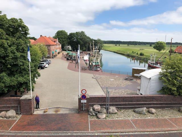 """OVERGROOT, Hooksiel """"Alten Hafen"""""""