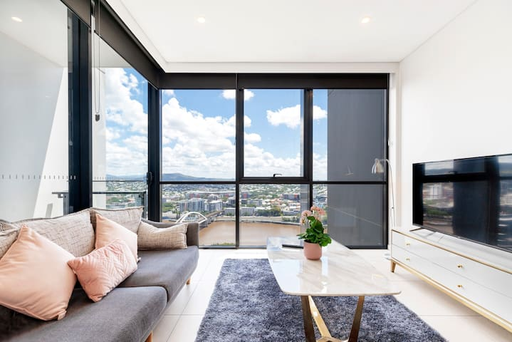 Stunning Mountain RiverView 1BR|SouthBank|PoolPark