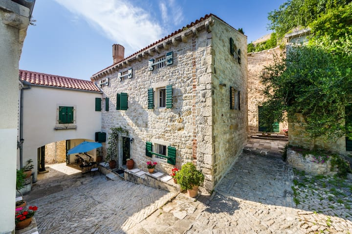 Boutique vacation Houses of Vlatkovic