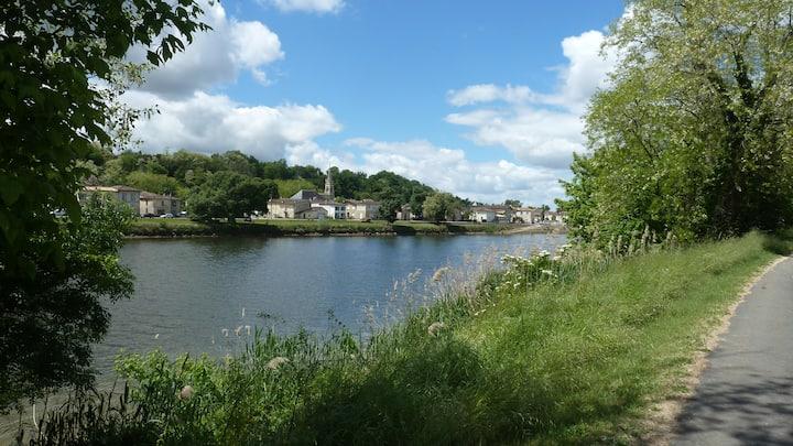 Maison tranquille en bord de Dordogne