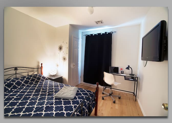 Great quiet room 5 min from Newark Airport