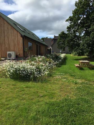 Mains o'Noth Lodge - Skye
