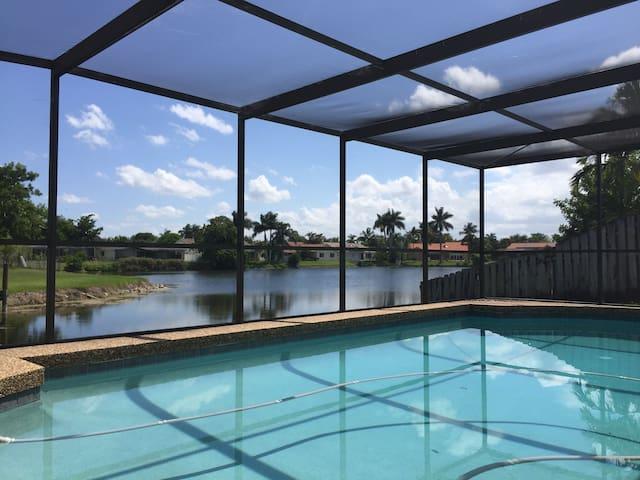 Beautiful waterfront home w/pool!!! - Plantation - Rumah