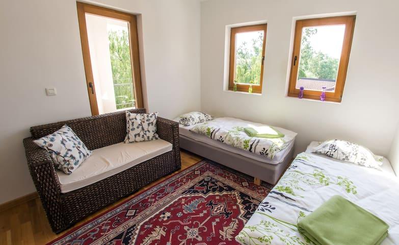 Villa Verde l Luxury Retreat l Riverside - Bedroom 4