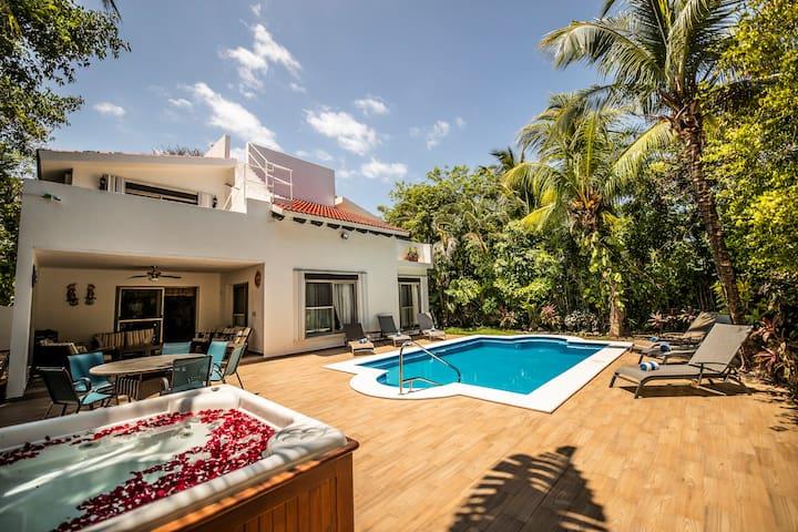 Villa Casa Sol de la Playa in PlayaCar