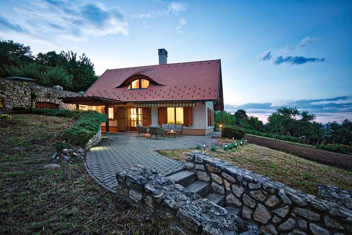 Öreghegyi Panoráma Villa, Balatonederics