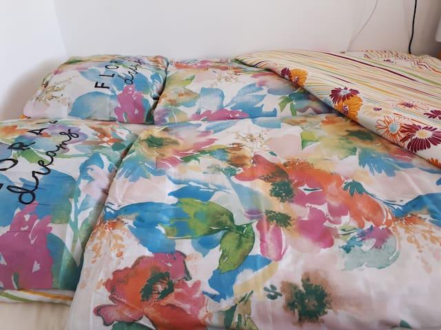 2 aparte bedden, 2 aparte dekbedden