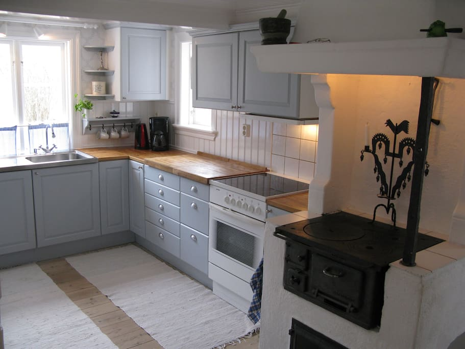 Old style kitchen fully equipped