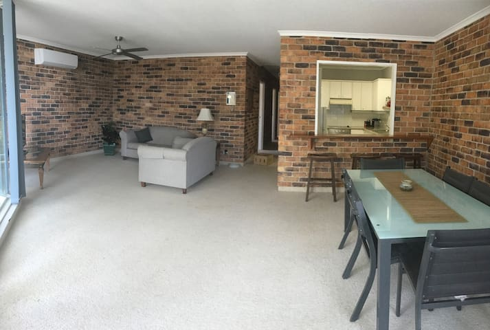Newly listed coastal apartment close to everything