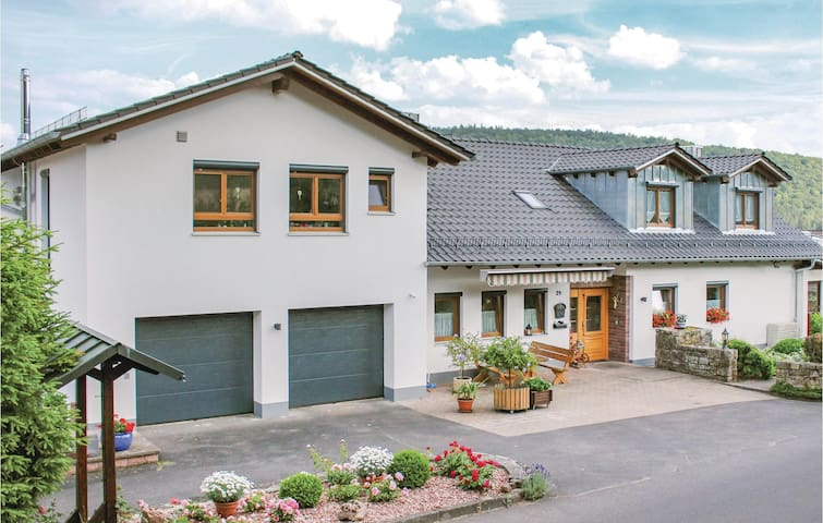 Holiday apartment with 2 bedrooms on 60m² in Gräfendorf