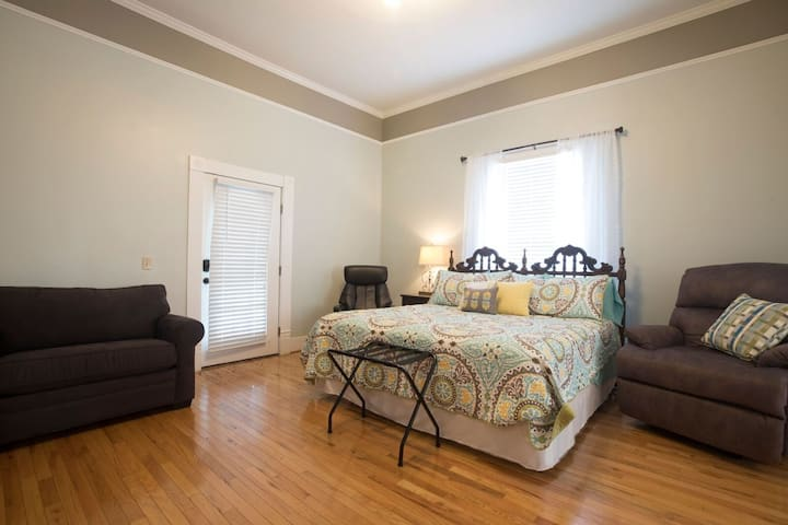 Wildflower 1br/1 bath-nearTroy & Luverne