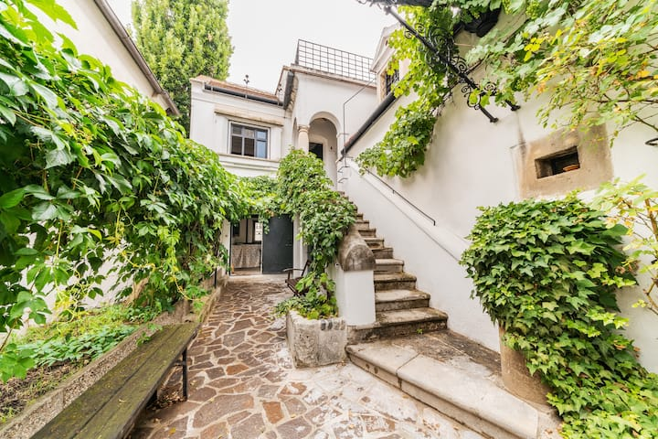 Romantisches Winzerhaus in idealer Lage