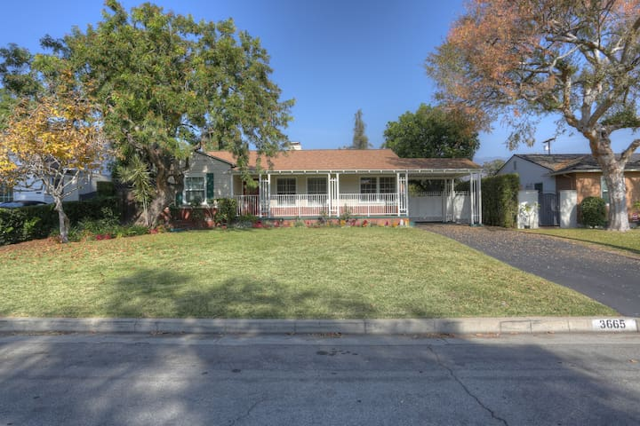 Chapman Woods, Pasadena | Ranch Style Home - Пасадена