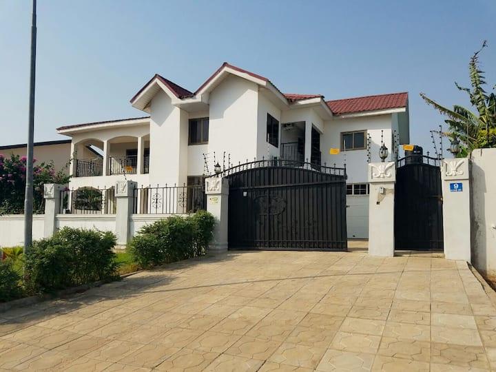 5 bed house - Community 20 Tema near Spintex Rd
