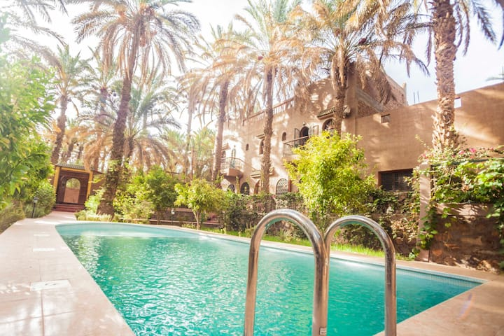 Beautiful kasbah in the heart of an oasis