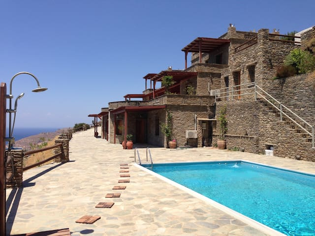 Luxurious 3bedroom seaview condo with swimmingpool - Andros - House