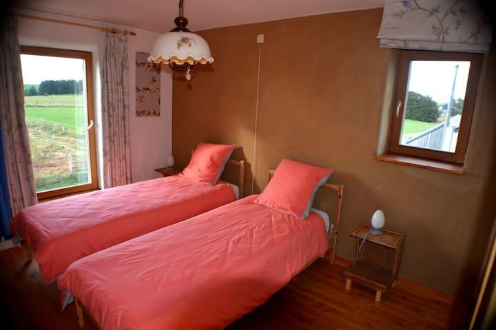 Le chambre 2 lits simples
